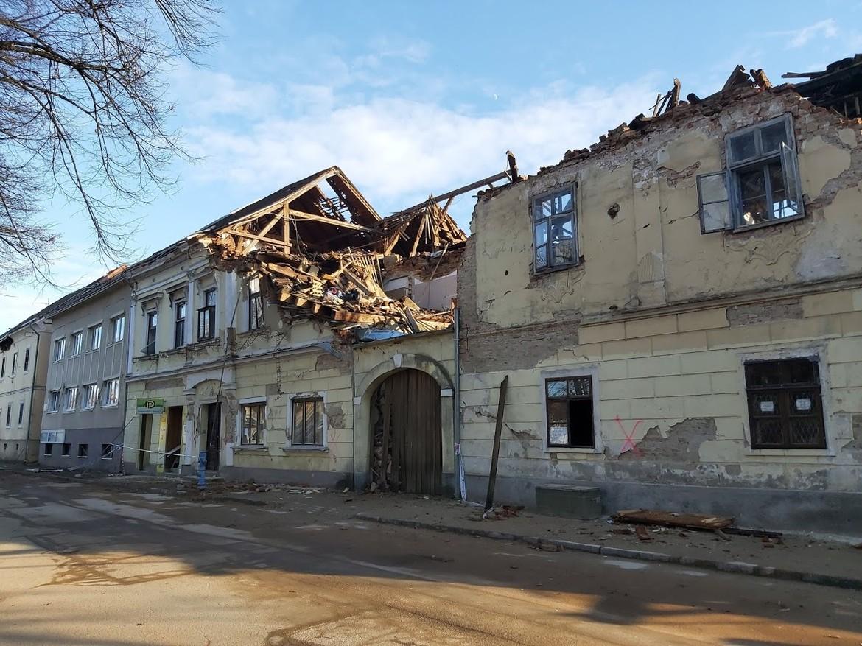 Poate un acoperiş să te protejeze în cazul unui cutremur?